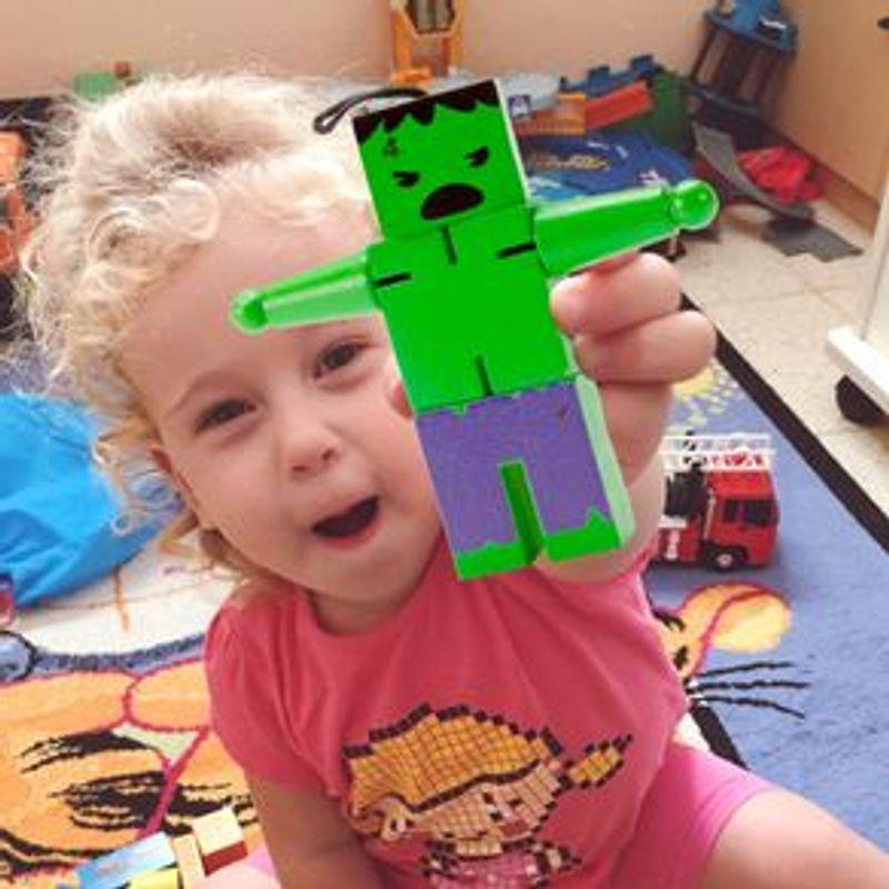 Juguete-De-Acci-n-Marvel-Hulk-De-Madera-12-x-11-cm-3-1667